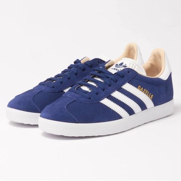 reputable site 993f5 3e27e NWT 💕Adidas Originals Gazelle Blue Suede Shoes 7